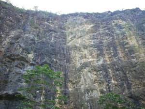 2.A cidade de Presidente Juscelino, no interior do RN, tem uma pedreira que se formou há 3,4 bilhões de anos. É o pedaço de terra mais antigo da América do Sul. Uma bela paisagem que vale a pena conhecer.